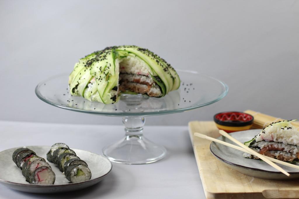 Afbeelding met bord, tafel, voedsel, binnen  Automatisch gegenereerde beschrijving